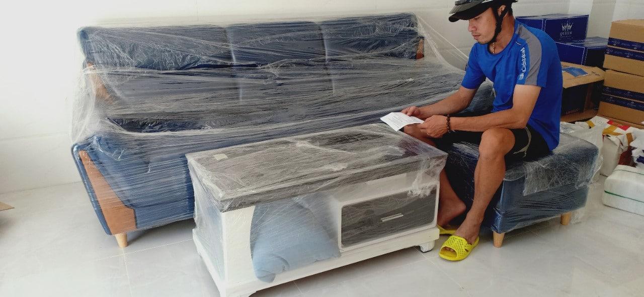 Sofa băng màu xanh - Hình ảnh bàn giao cho khách hàng